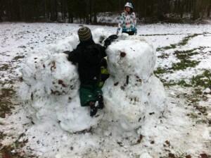 Schneehaus - Die Mauern stehen
